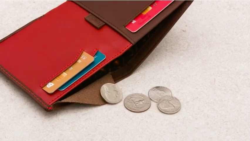 ノートスリーブはいざというとき小銭をしまうことができる