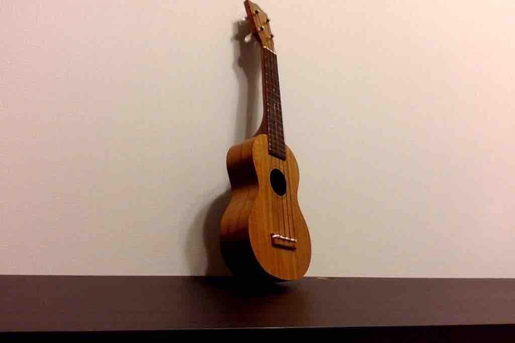 【ウクレレの弦交換】はじめてでも簡単!弦交換のやり方とコツ