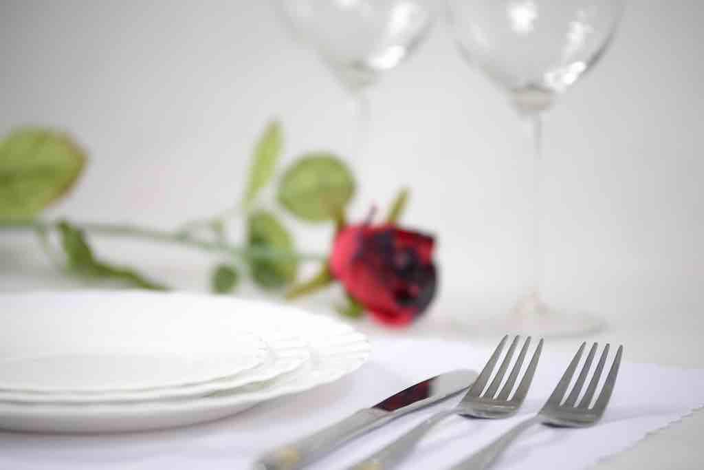 食器の揃え方のコツ①:食器は厳選した上質なものを選ぶ